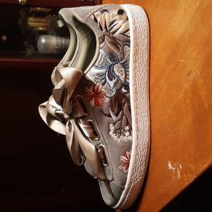 Womans sneakers